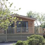 Lodge to let with hot tub