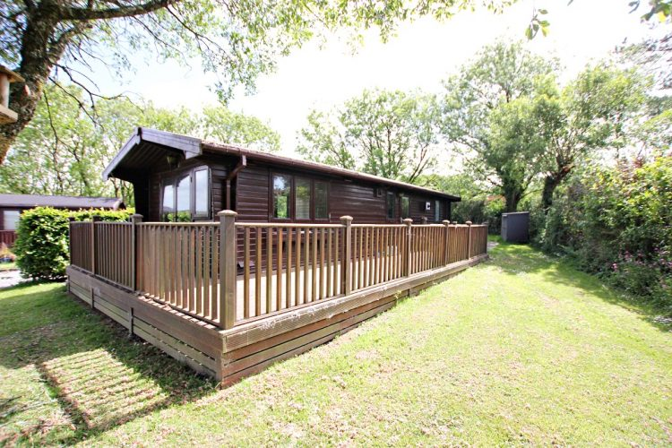 Second hand timber lodge for sale