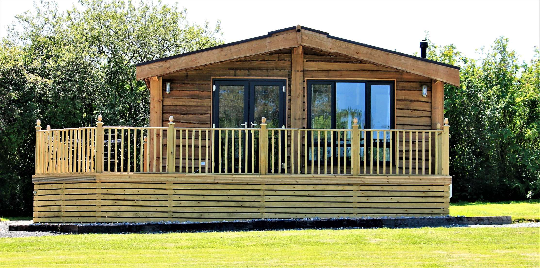 Holiday lodge for sale by Pinelog